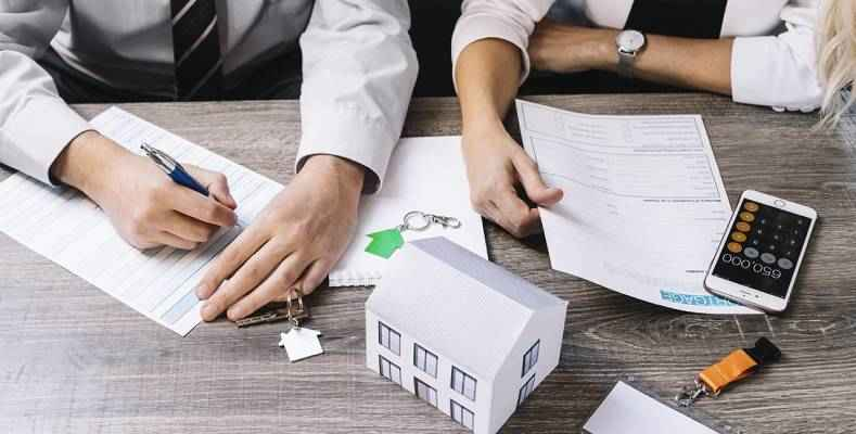 5 Main Reasons That Why You Need a Property Consultant When Buying a House